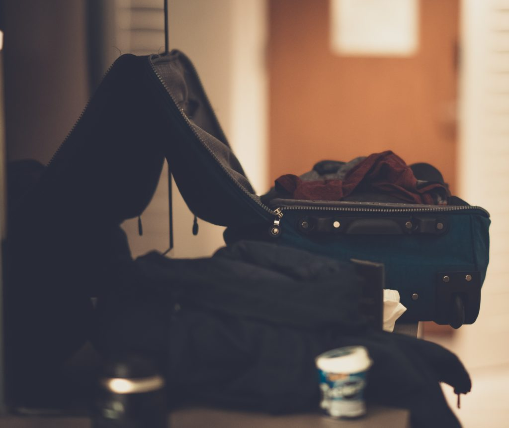 Packing, Pexels Photo by Craig Adderly